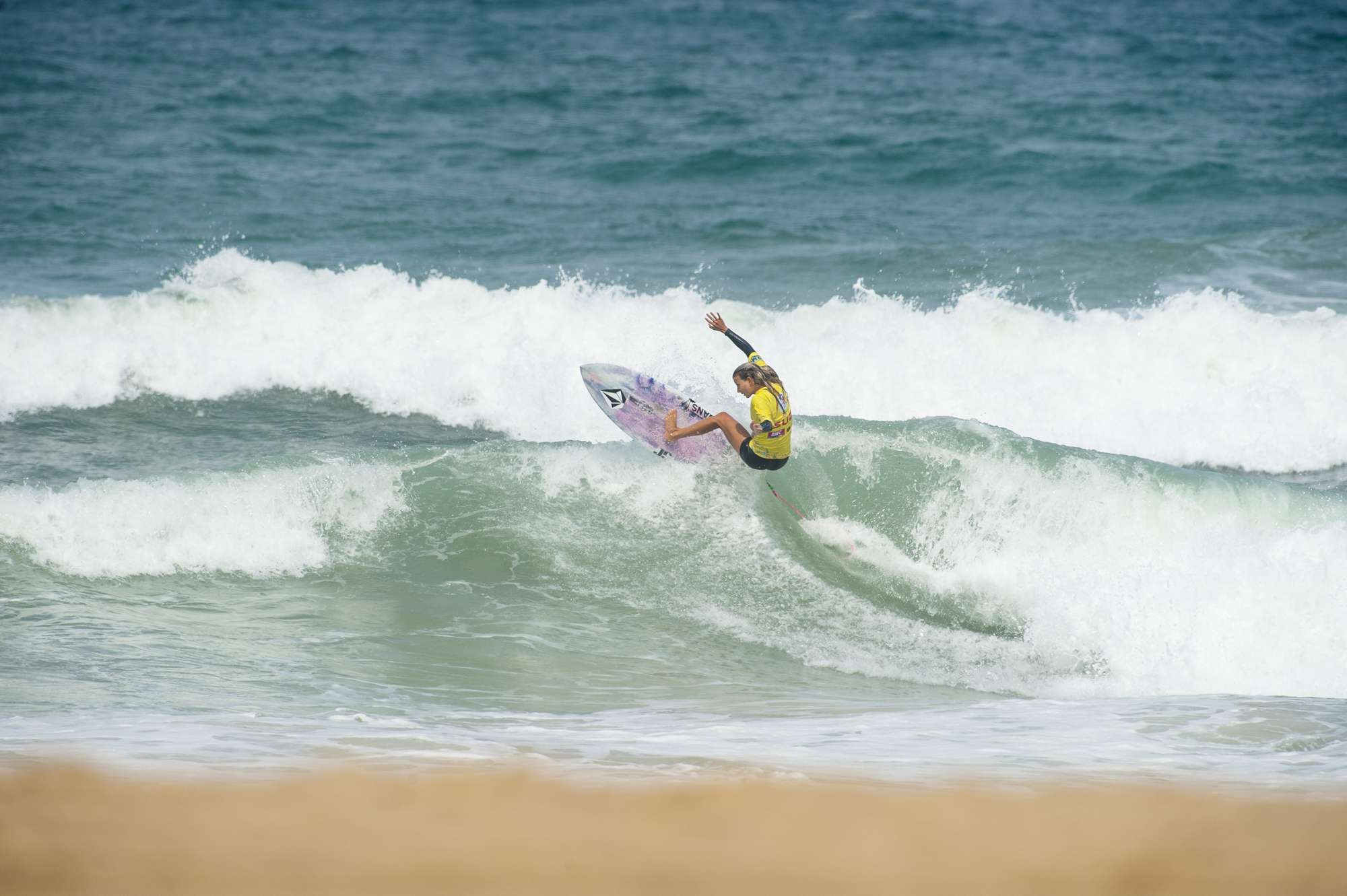 How many q's surfers qualify for ct