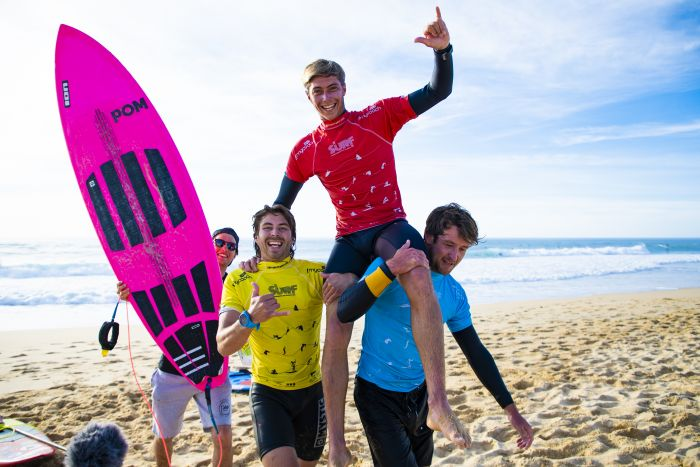 Clément Roseyro s'impose en Stand Up Paddle surfing.