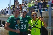 Le podium de la Longue Distance de ce dimanche avec Titouan Puyo entre Jake Jensen et Zane Schweitzer (à droite).